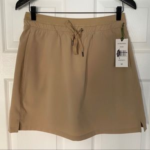 NWT GREEN TEA Stretchy Active Woven Skort Size M